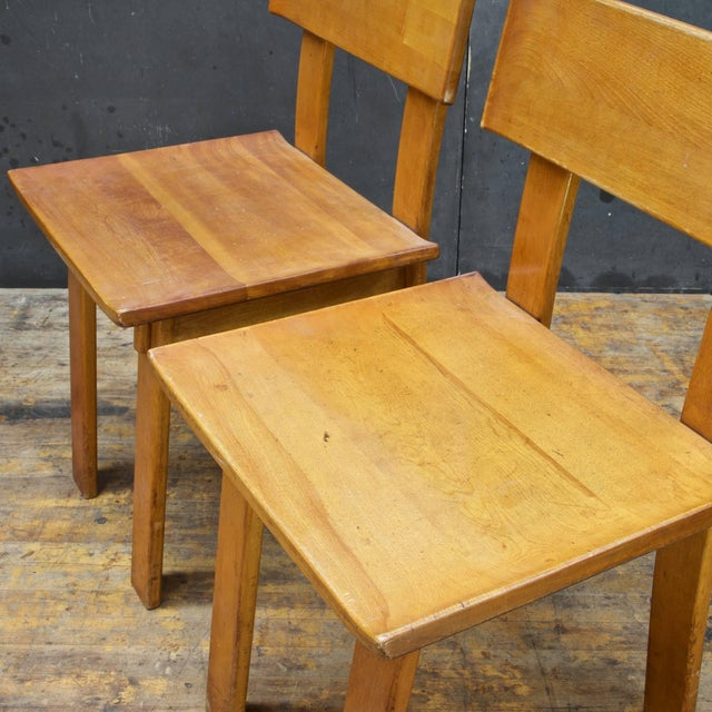 Wood 1930s Vintage Russel Wright American Modern Furniture Design Chairs- a Pair For Sale - Image 7 of 10