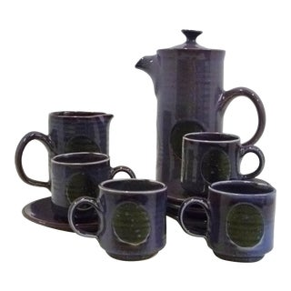 Mid 1970s David Sharp Pottery Mod Coffee Service, Rye England - Set for 4 For Sale