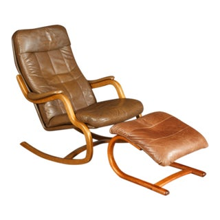 Mid-Century Danish Lounge Chair With Ottoman and Leather Cushions For Sale