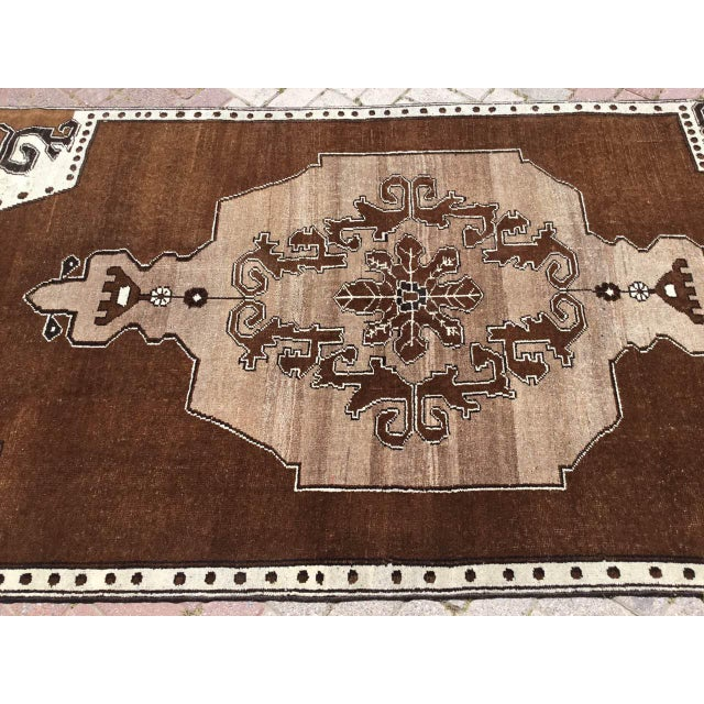 1950s Brown Turkish Area Rug For Sale - Image 5 of 9