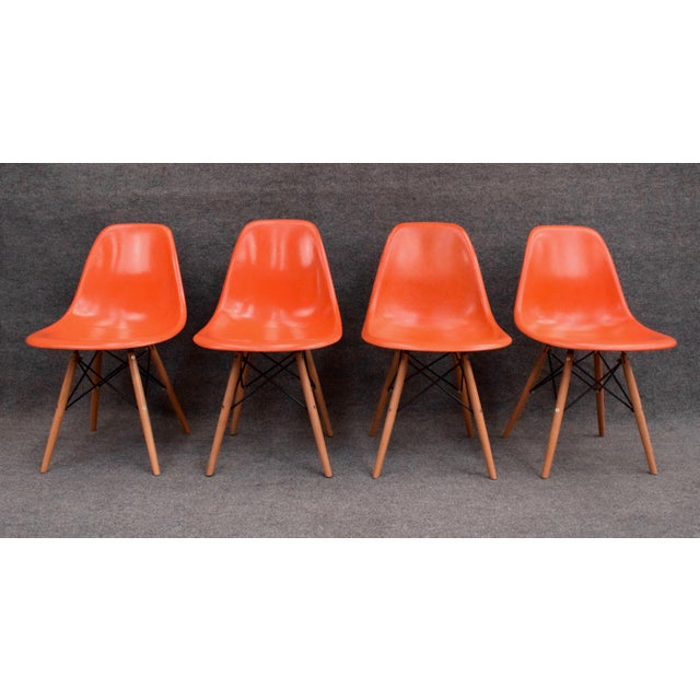 Mid-Century Modern Vintage Fiberglass Charles Eames for Herman Miller Chairs - Set of 4 For Sale - Image 3 of 10