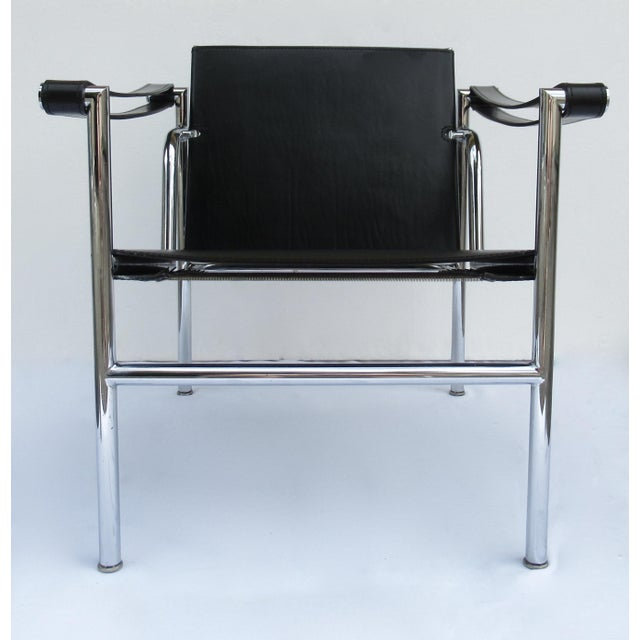 Le Corbusier C.1950s-60s Le Corbusier LC1 Basculant Chrome & Black Saddle Leather Sling Lounge Chair For Sale - Image 4 of 13