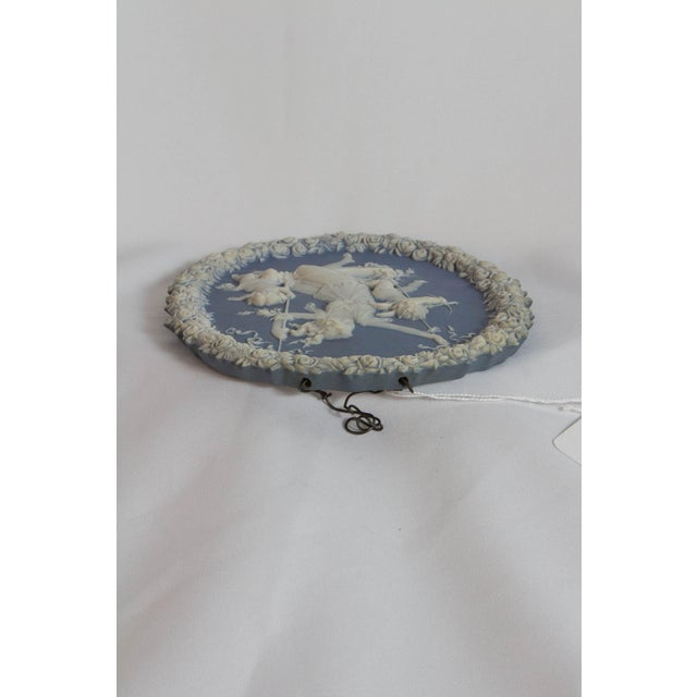 Early 20th Century Traditional Oval Blue and White Jasperware Plaque For Sale - Image 5 of 7