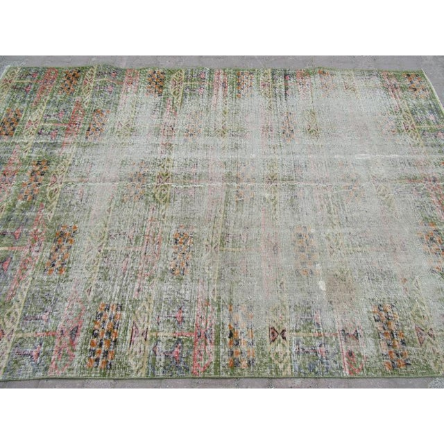 "Mid-Century Modern Vintage Green Oushak Rug - 5'11"" x 8'8"" For Sale - Image 3 of 6"