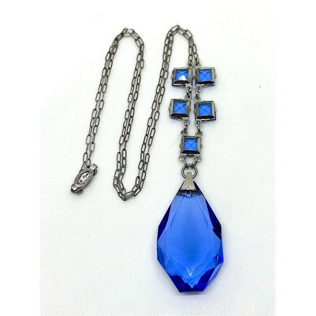 1920s 1920s Sterlilng Silver and Blue Faceted Glass Pendant Necklace For Sale - Image 5 of 6