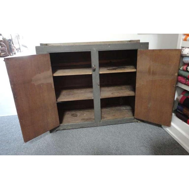 Wood Early 19th century Original Grey Over Red Pennsylvania Hutch/Cupboard For Sale - Image 7 of 8