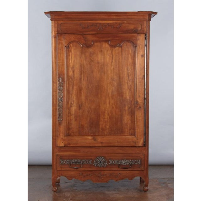 French Louis XV Cherrywood Bonnetiere Armoire, 18th Century - Image 6 of 11