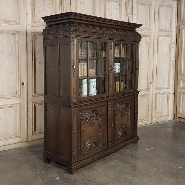 18th Century French Louis XIV Bookcase ~ Vitrine For Sale - Image 4 of 13