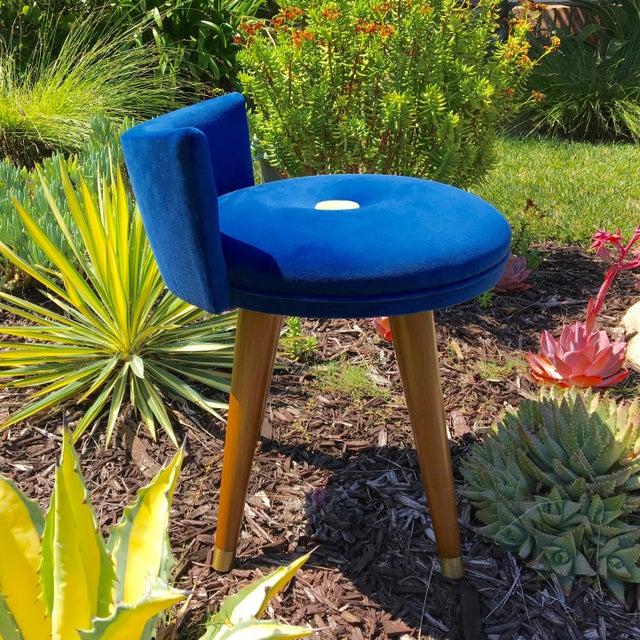 Mid-Century Modern Mid-Century Modern Swivel Blue Velvet Vanity Chair For Sale - Image 3 of 9