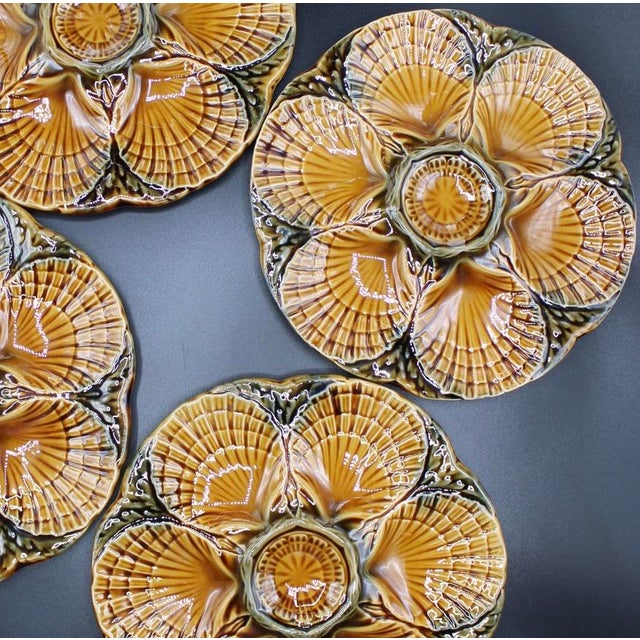 French 1930s French Sarreguemines Scallop Shell Oyster Plates - Set of 4 For Sale - Image 3 of 7