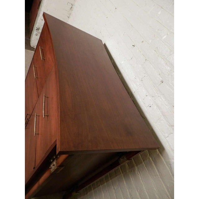 Harold M. Schwartz for Romweber Mid-Century Tall Chest For Sale In New York - Image 6 of 7