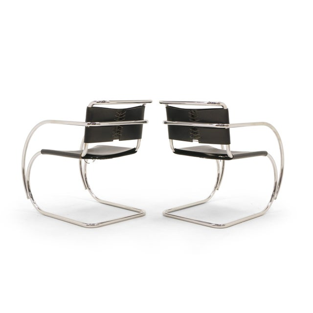Knoll Set of Four Black Leather MR 20 Lounge Chairs with Arms by Mies van der Rohe For Sale - Image 4 of 12