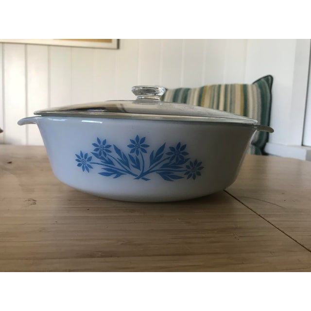 This 2quart casserole dish from Anchor Hocking Fire King is extremely rare. Dark blue glazed inside of the dish with a...