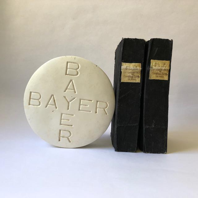 Vintage Oversized Bayer Aspirin Advertising Pill For Sale - Image 4 of 9