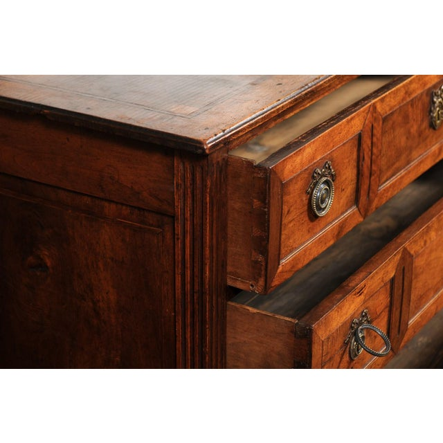 French Directoire Style 1860s Walnut Veneered Commode with Inlay and Fluting For Sale - Image 12 of 13