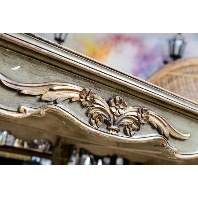 Italian Large Oval Painted Louis XV Style Table With Antiqued Mirrored Top For Sale - Image 12 of 13