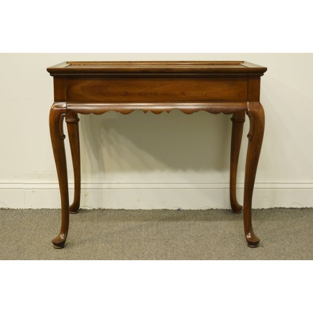 Brown 20th Century Georgian Ethan Allen Accent End / Tea Table For Sale - Image 8 of 13