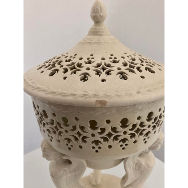 Mid 19th Century 19th Century French Creamware Potpourri Lidded Dish For Sale - Image 5 of 13