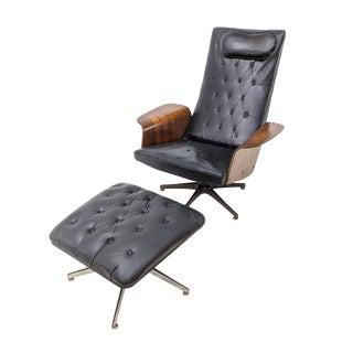 Mid-Century Modern Plycraft Mister Chair and Ottoman For Sale