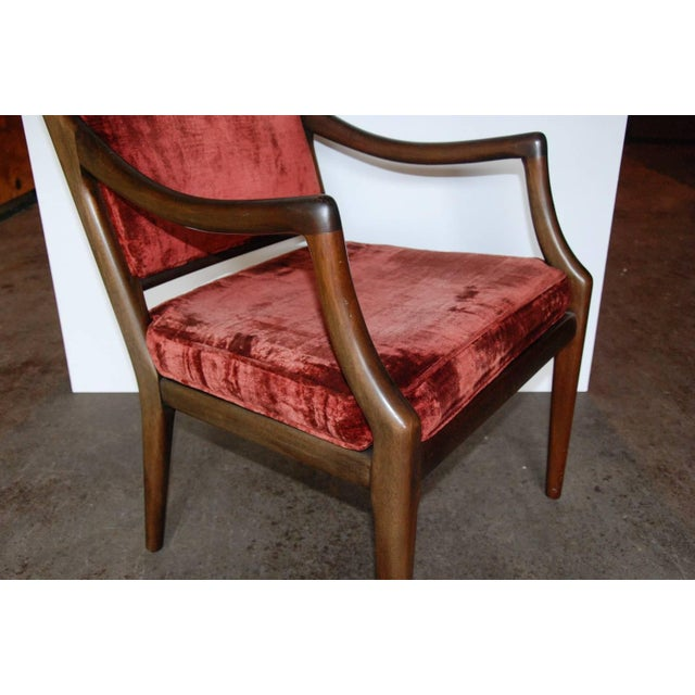 Circa 1960 Style of T.H. Robsjohn-Gibbings Mid-Century Modern Upholstered Armchairs - A Pair For Sale In Richmond - Image 6 of 8