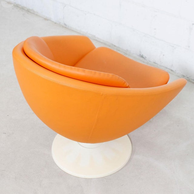 Mid-Century Modern 60s Orange Swivel Pod Chairs by Overman, Sweden - Pair For Sale - Image 3 of 7