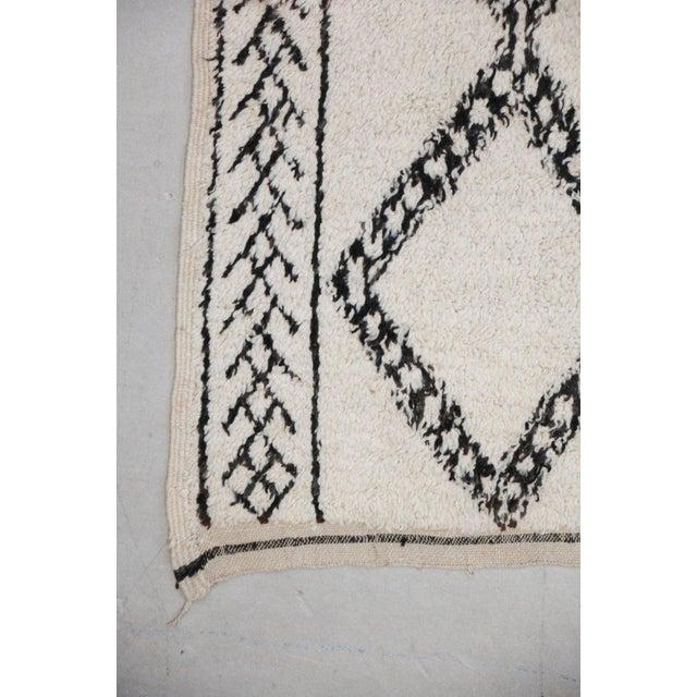 Vintage Beni Ourain Carpet - 5′9″ × 9′ - Image 3 of 6