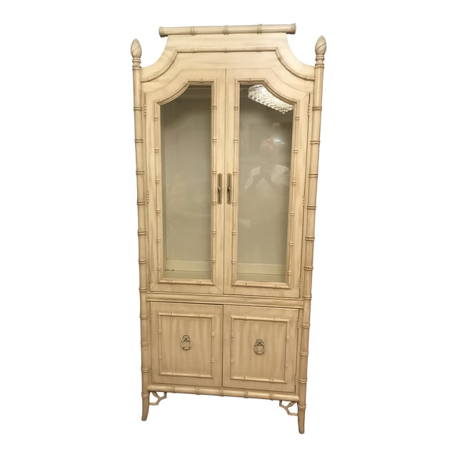 1970s Hollywood Regency Thomasville Allegro Chinoiserie Faux Bamboo Display Cabinet For Sale