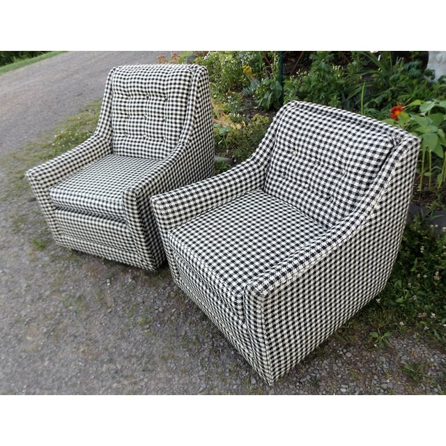 Kroehler Kroehler Mid-Century Houndstooth Chairs - A Pair For Sale - Image 4 of 11