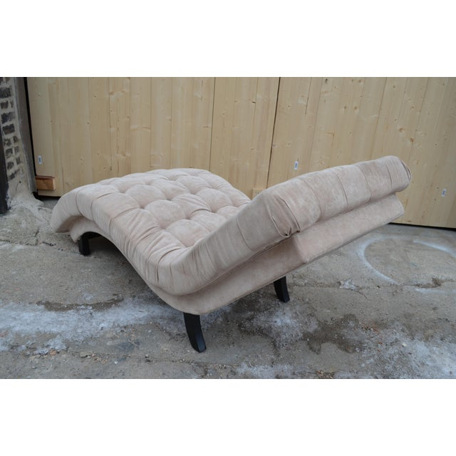 1980s Contemporary Ivory Tufted Chaise Lounge Chair For Sale - Image 5 of 10