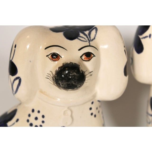Early 20th Century Antique Blue and White Staffordshire Dogs - a Pair For Sale - Image 5 of 12
