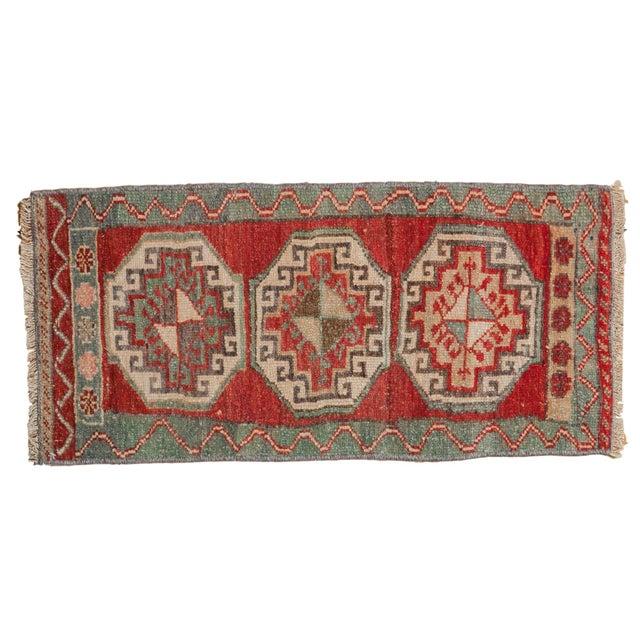 "Textile Vintage Distressed Oushak Rug Mat - 1'4"" X 2'10"" For Sale - Image 7 of 7"