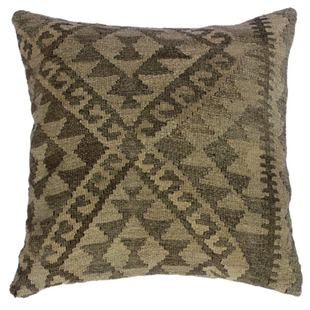 """Darius Gray/Tan Hand-Woven Kilim Throw Pillow(18""""x18"""") For Sale In New York - Image 6 of 6"""