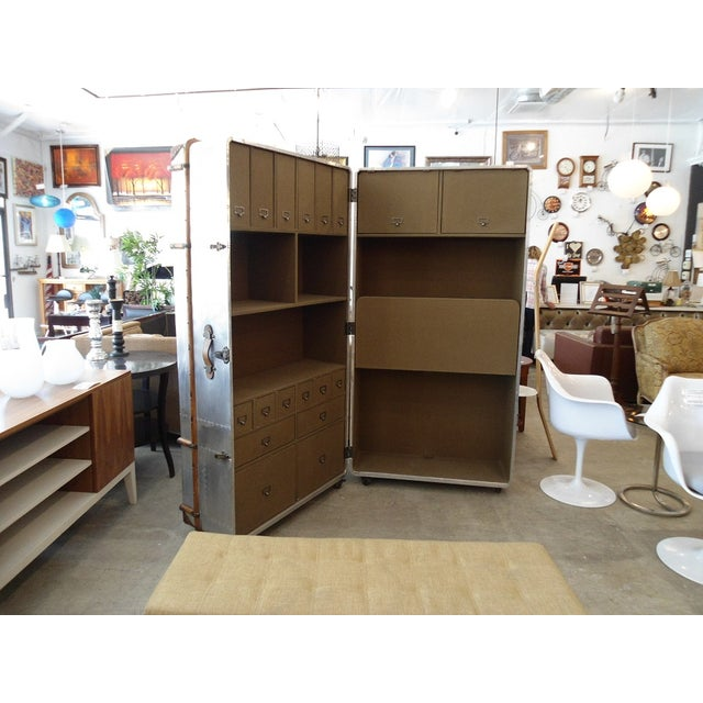 Amazing unique piece like an office on the go. Close to save space, and open for immediate office space. Many compartments...