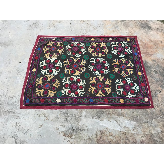 Dark Gray Floral Pattern Antique Suzani Textile - Image 5 of 6