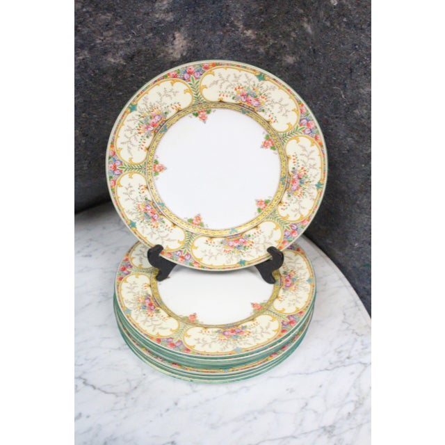 Wedgwood Dinner Plates - set of 8 For Sale In New York - Image 6 of 6