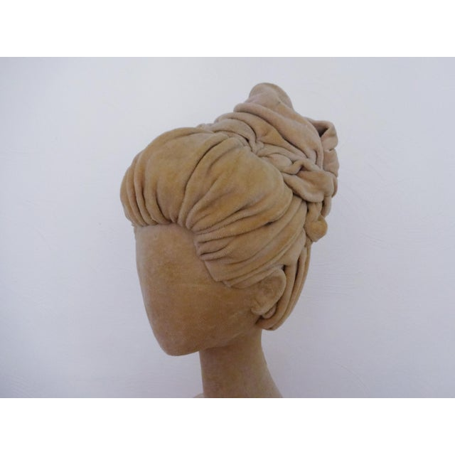 1940s 1940s Abstract Velvet Mannequin Bust For Sale - Image 5 of 10