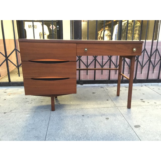 Mid Century Desk With Minimal Color Detailing - Image 2 of 7