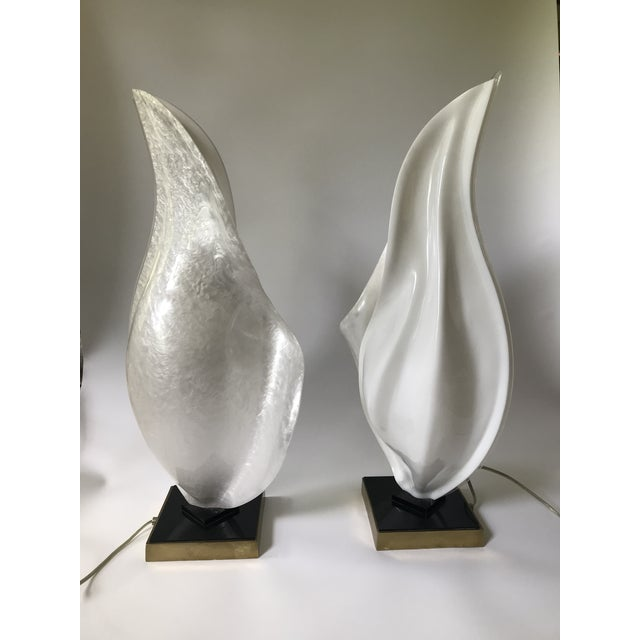 Rougier Rougier Mid-Century Modern Organic Free-Form Acrylic Table Lamps — Pair For Sale - Image 4 of 8