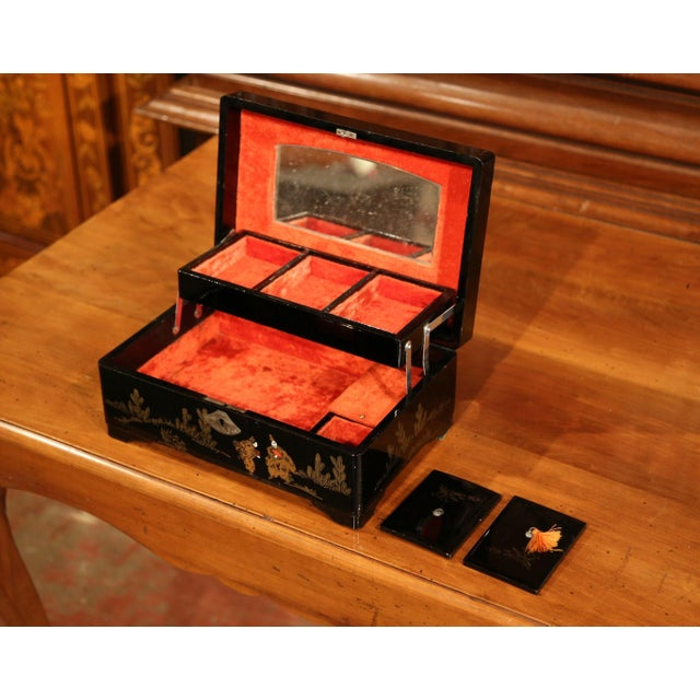 19th Century French Black Lacquered Make Up Music Box With Chinoiserie Decor For Sale In Dallas - Image 6 of 9