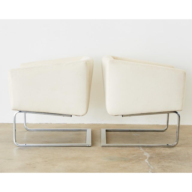 Selig Selig Mid-Century Modern Cantilever Lounge Chairs - a Pair For Sale - Image 4 of 13