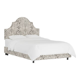Queen Bed, Washed Cheetah Cream Grey For Sale