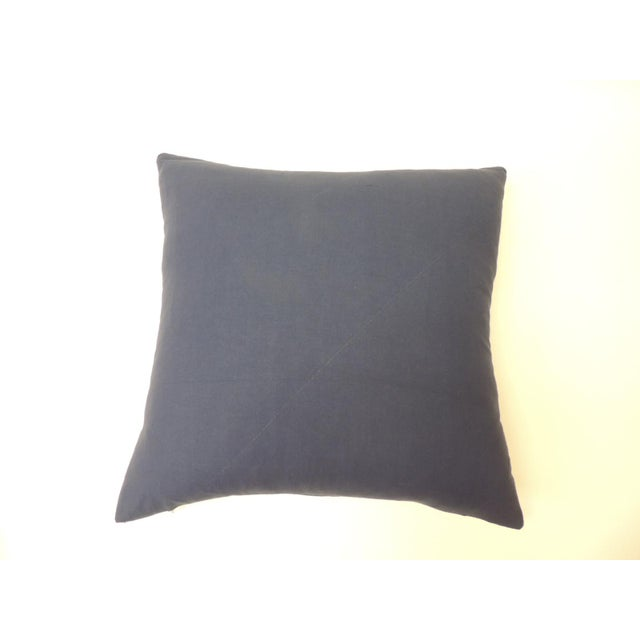 """Pair of Cotton Blue and White """"Kumasi"""" Decorative Pillows For Sale - Image 4 of 6"""