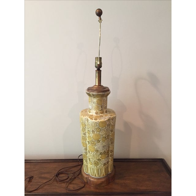 Art Deco Vintage Ceramic Yellow Champagne Floral Table Lamp For Sale - Image 3 of 7