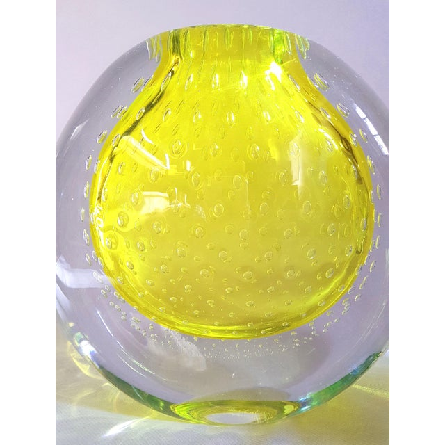 Glass 1970s Seguso Mid Century Modern Yellow Murano Glass Vases - a Pair For Sale - Image 7 of 8