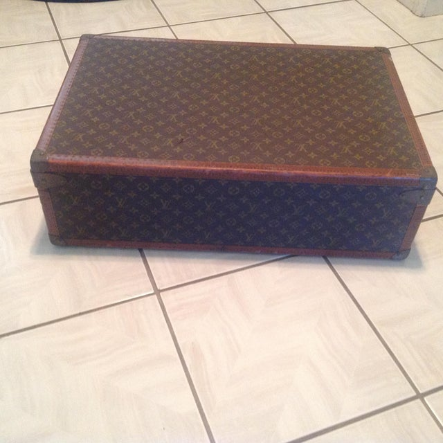 Mid-20th Century Louis Vuitton Hard Case Bisten Luggage For Sale - Image 10 of 12