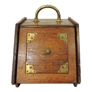 Traditional Antique English Oak and Brass Embellished Coal Purdonium or Scuttle For Sale