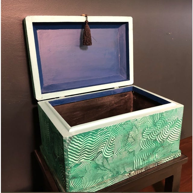 Faux Bamboo 1960s Vintage Faux Malachite Box For Sale - Image 7 of 9