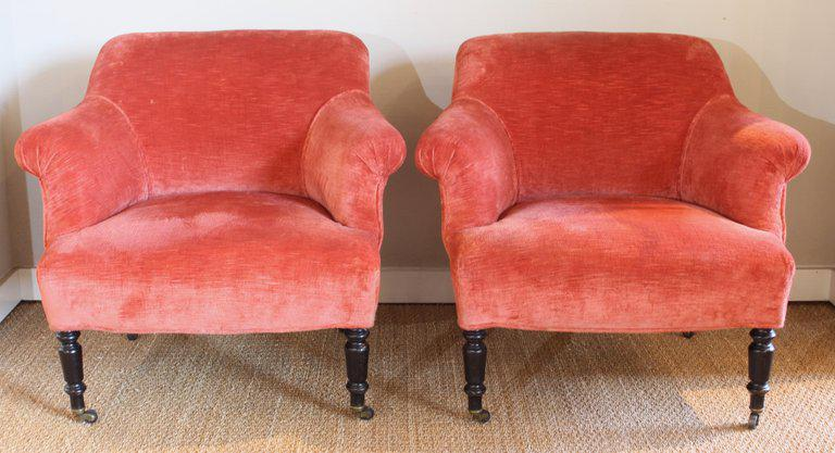 English Traditional Pair Of English Club Chairs For Sale   Image 3 Of 8