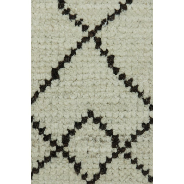"""Islamic Moroccan, Hand Knotted Area Rug - 6'4"""" X 9'6"""" For Sale - Image 3 of 3"""