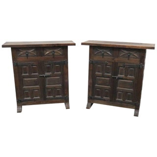 Pair of Nettle Creek End Tables For Sale